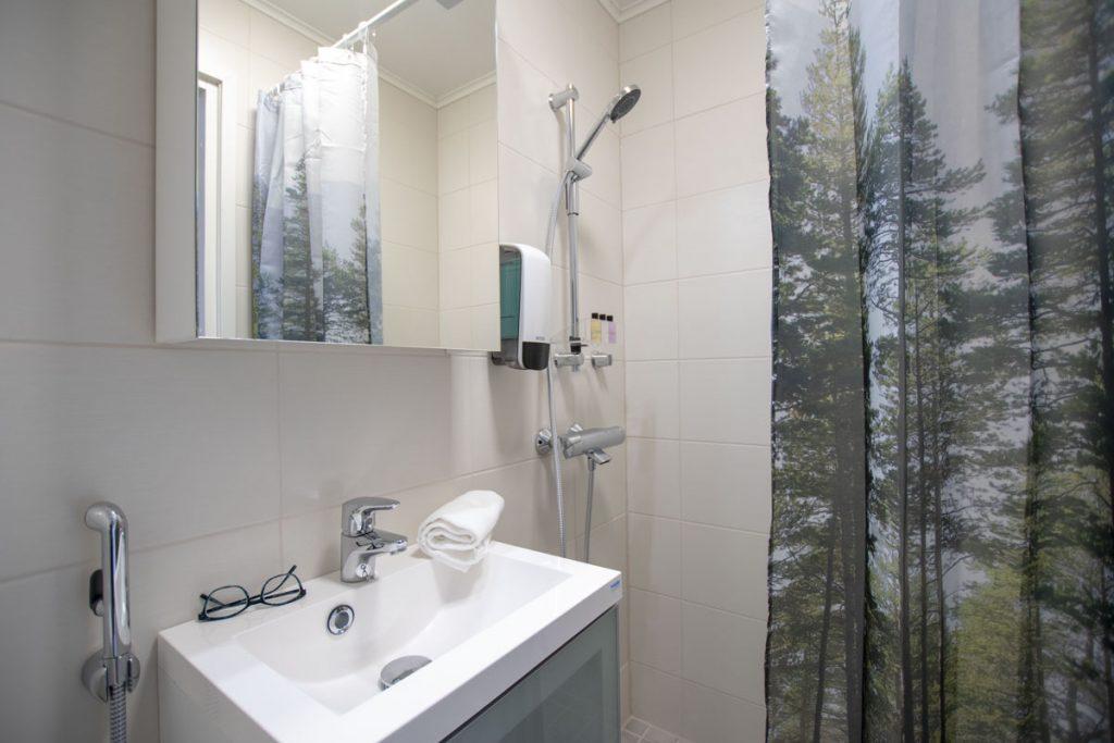 Hotellin majoitustilat saniteettitilat majoitusrakennus aluerakentaminen toimitilarakentaminen.