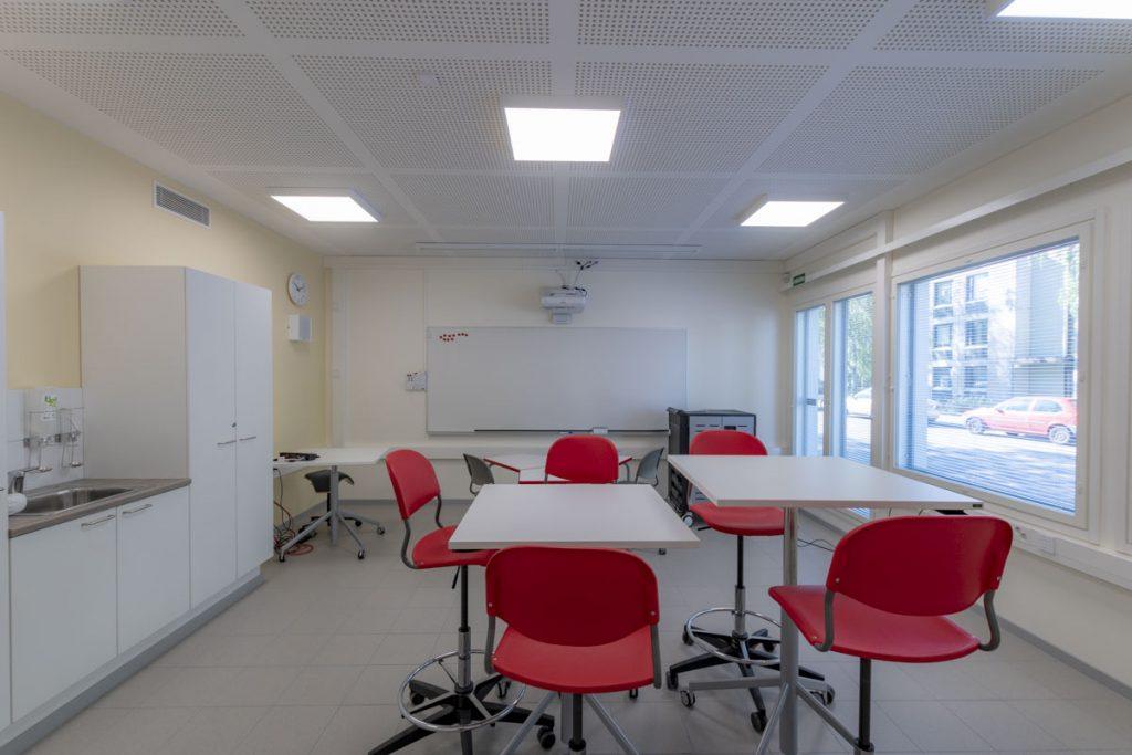 Väistökoulun pienryhmätila moduulikoulu vaistotilat luokkahuone pienopetustila