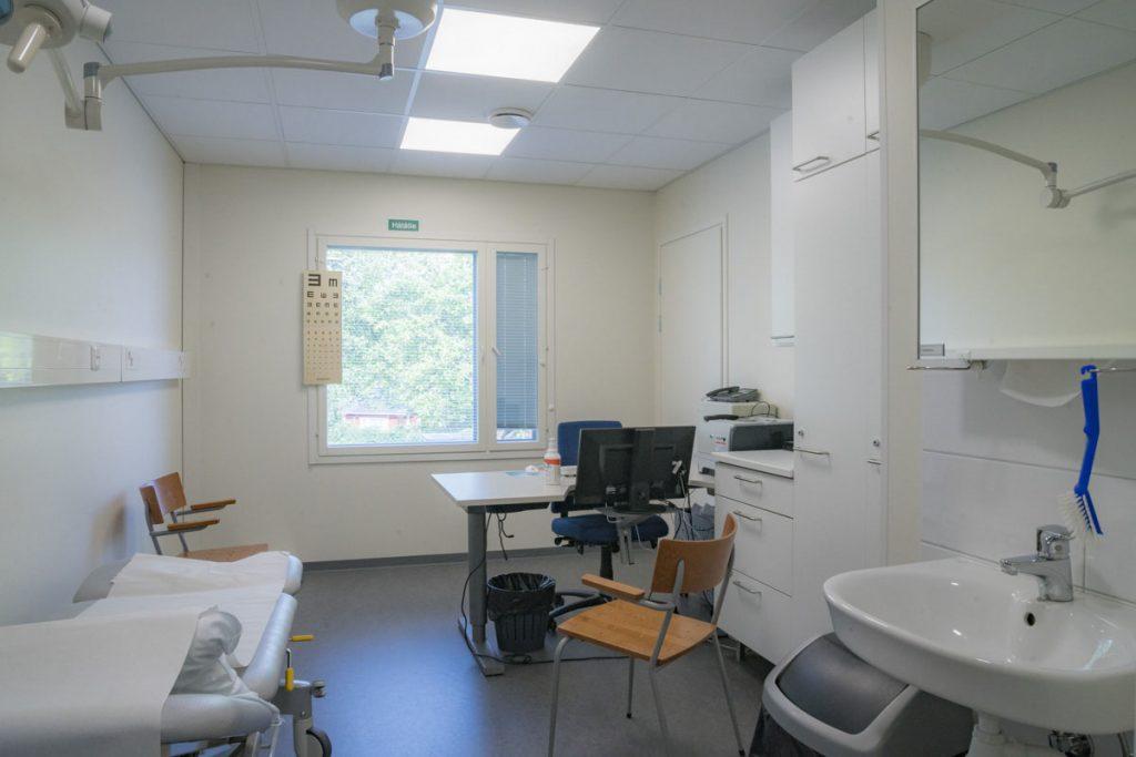 Terveysaseman väistötilan hoitohuone terveydenhuollon toimitilarakentaminen vastaanottohuone .