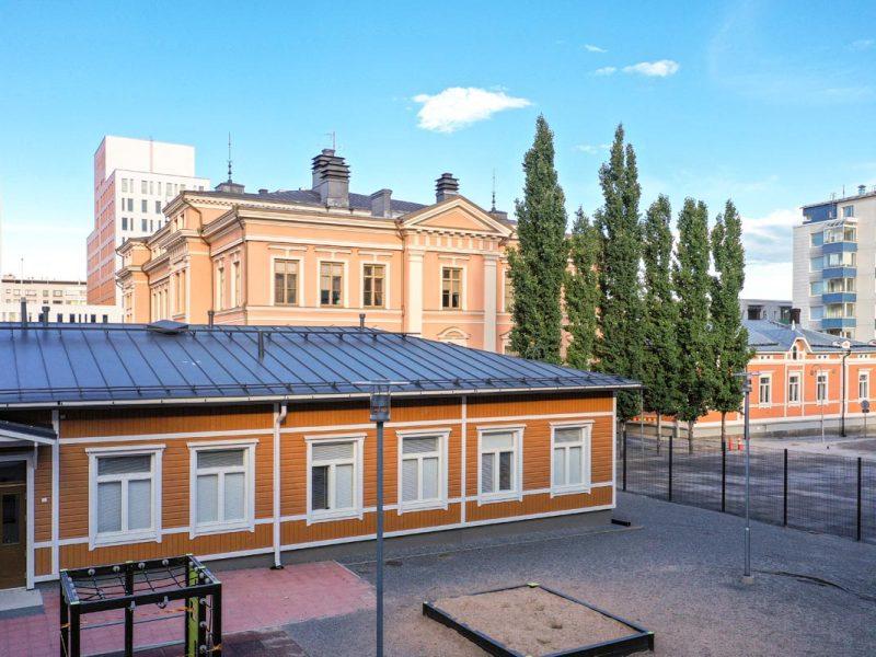 Tampereen Juhannuskylän Pikkukoulu koulukentaminen moduulirakentaminen moduulikoulu.