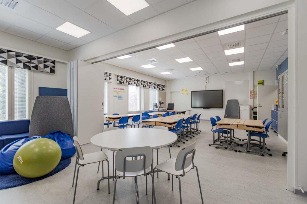 Kangasalan Rantakoulun jaettava opetustila koulukentaminen moduulirakentaminen.