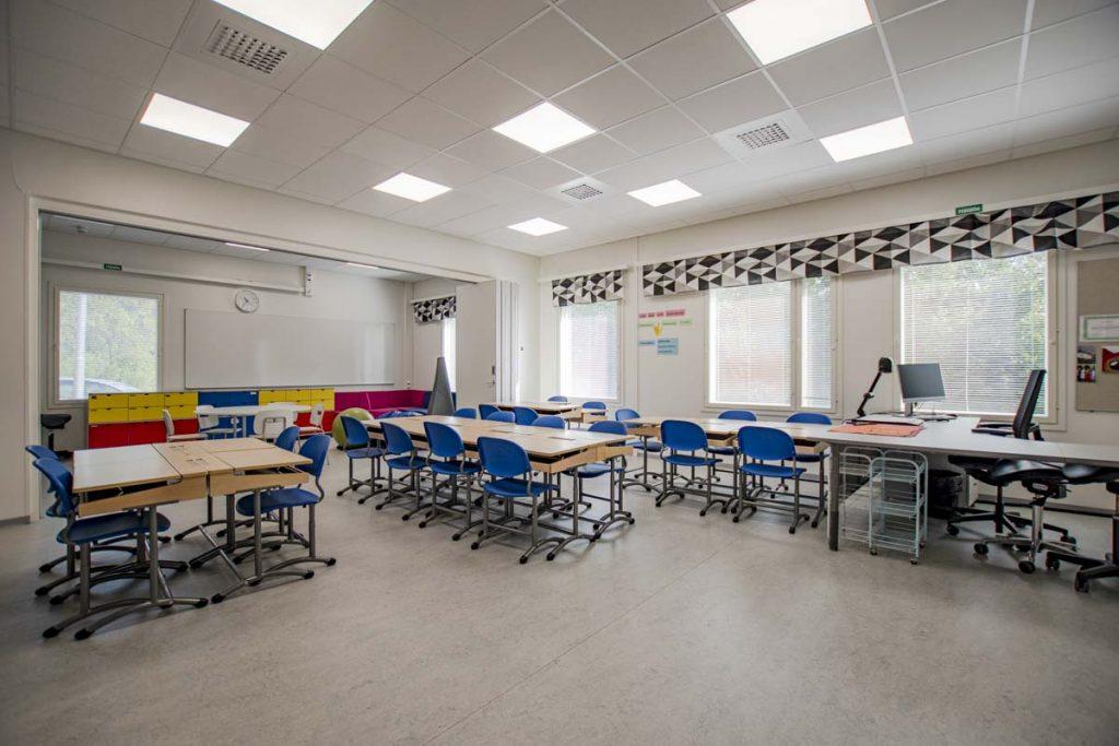 Kangasalan Rantakoulu opetustila koulukentaminen moduulirakentaminen.