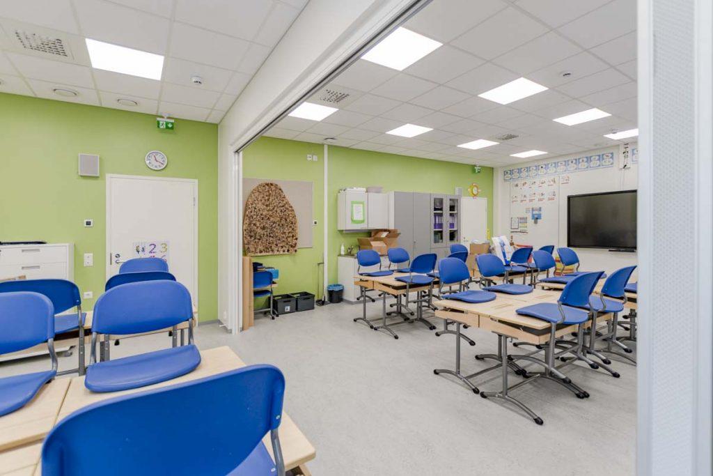Kangasalan Rantakoulun laajennettava opetustila koulukentaminen moduulirakentaminen.