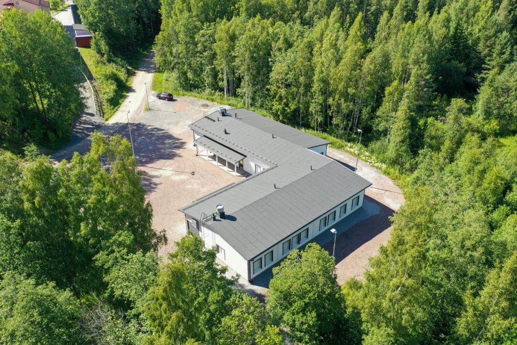 Kangasalan Rantakoulu ilmakuva moduulirakennuksesta koulukentaminen moduulirakentaminen.